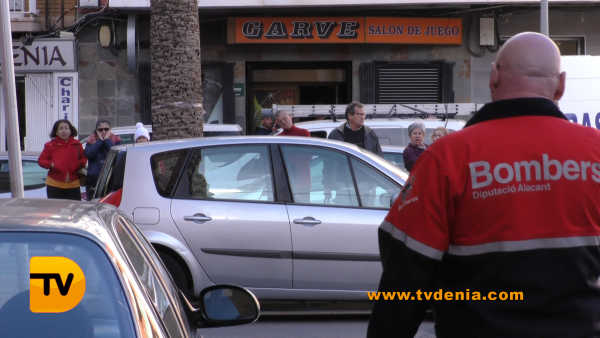 rescate-bomberos-mujer-cocina-denia-11