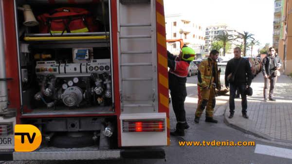 rescate-bomberos-mujer-cocina-denia-7