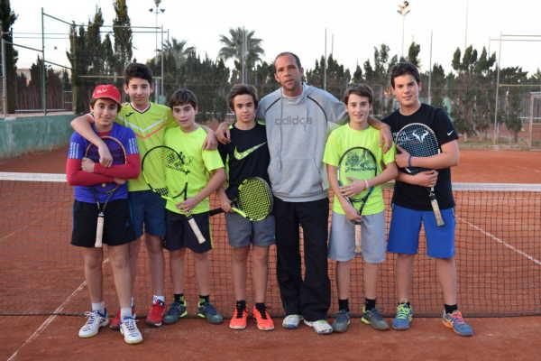 equipo de tenis infantil