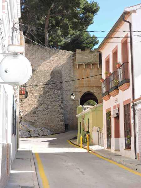 Calle_barrio_Roques aparcamiento (2)