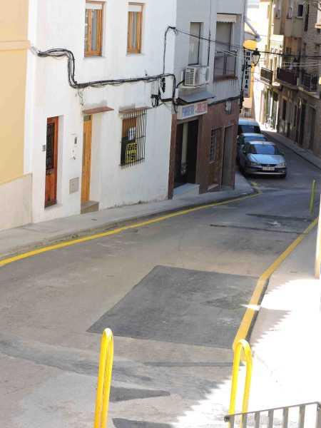 Calle_barrio_Roques aparcamiento