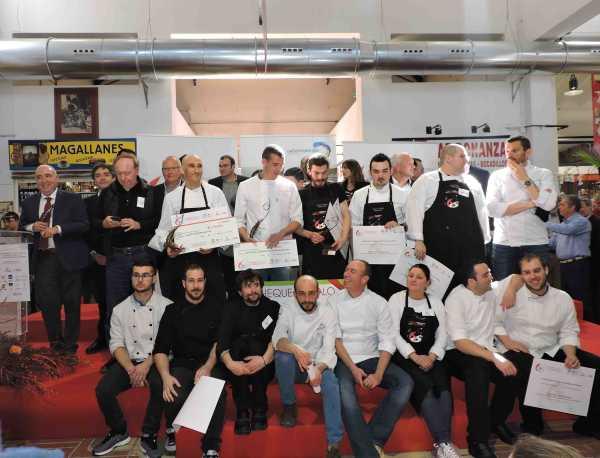 Grupo_cocineros_homenajeado_autoridades_02