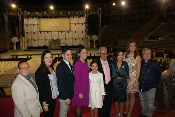 Inés Alacreu en la elecció de la Bellea del Foc d'Alacant