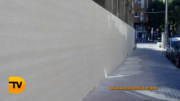 Muro calle la via borrell