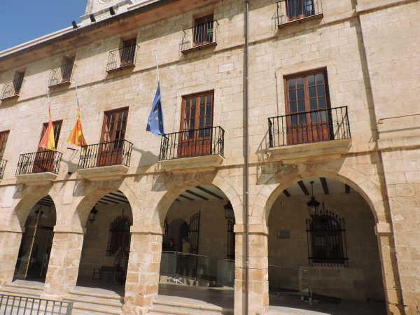 Ayuntamiento 3 minuto silencio denia (3)