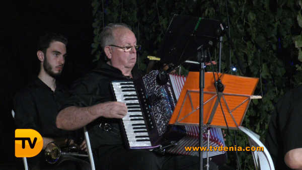 Rondalles Musica a les bassetes 21