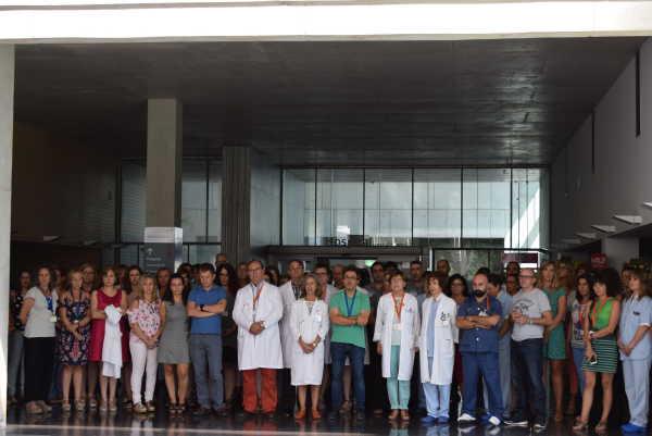 minuto silencio hospital denia (1)