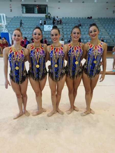 CLUB GR DENIA conjunto juvenil base ORO