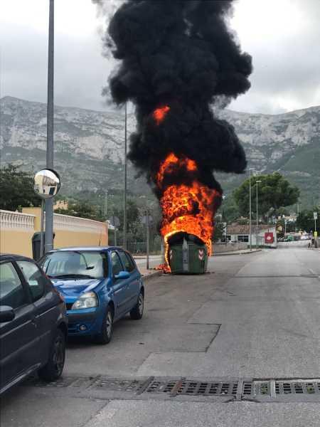 Incendio contenedor Dénia