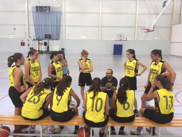cadete femenino 02 pierde en Godella