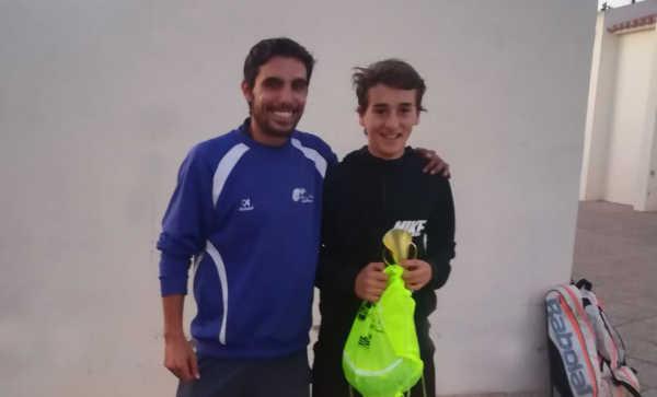 Miguel Molines campeón UPT Altea club de tenis